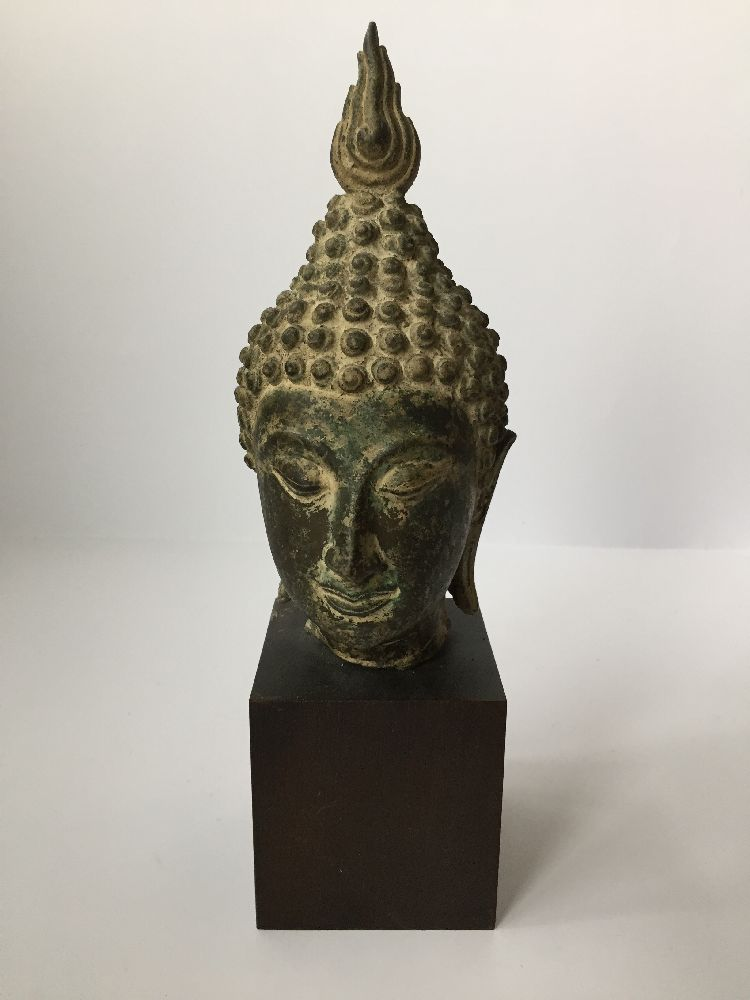 A Thai bronze head of Buddha, 17th/18th century, cast with flame finial above the ushnisha and - Image 3 of 10