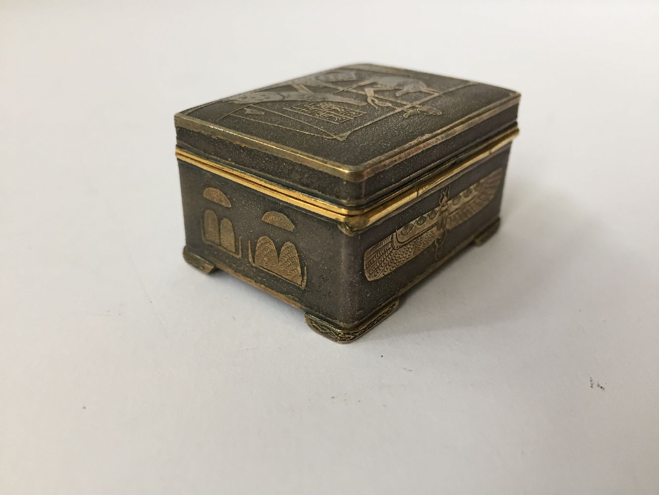 Two Komai style small pill boxes, late 19th early 20th century, one decorated with bamboo to - Image 8 of 12