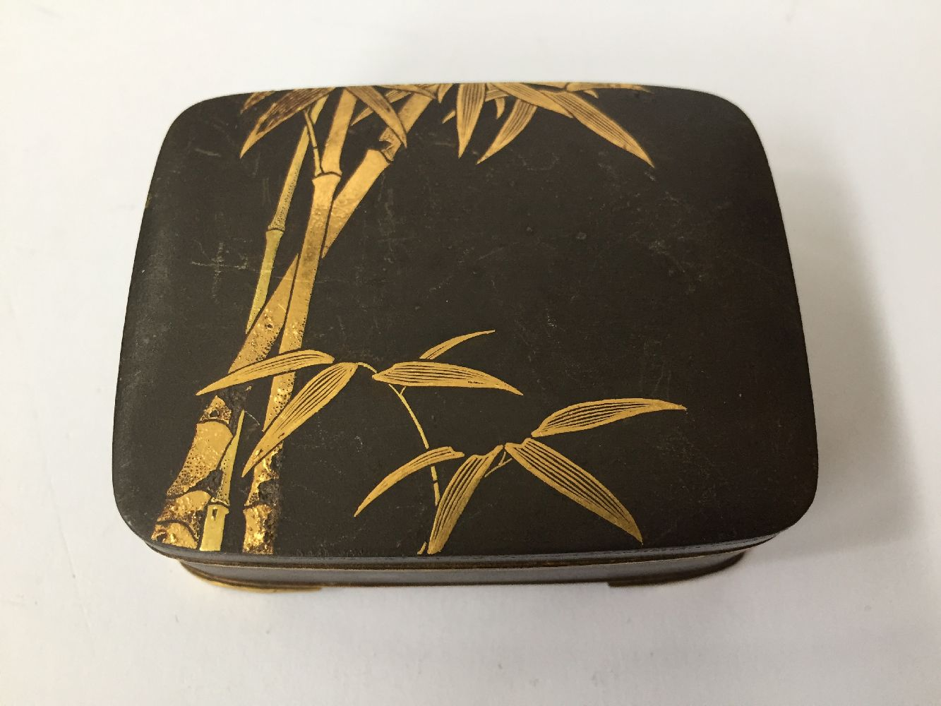 Two Komai style small pill boxes, late 19th early 20th century, one decorated with bamboo to - Image 11 of 12
