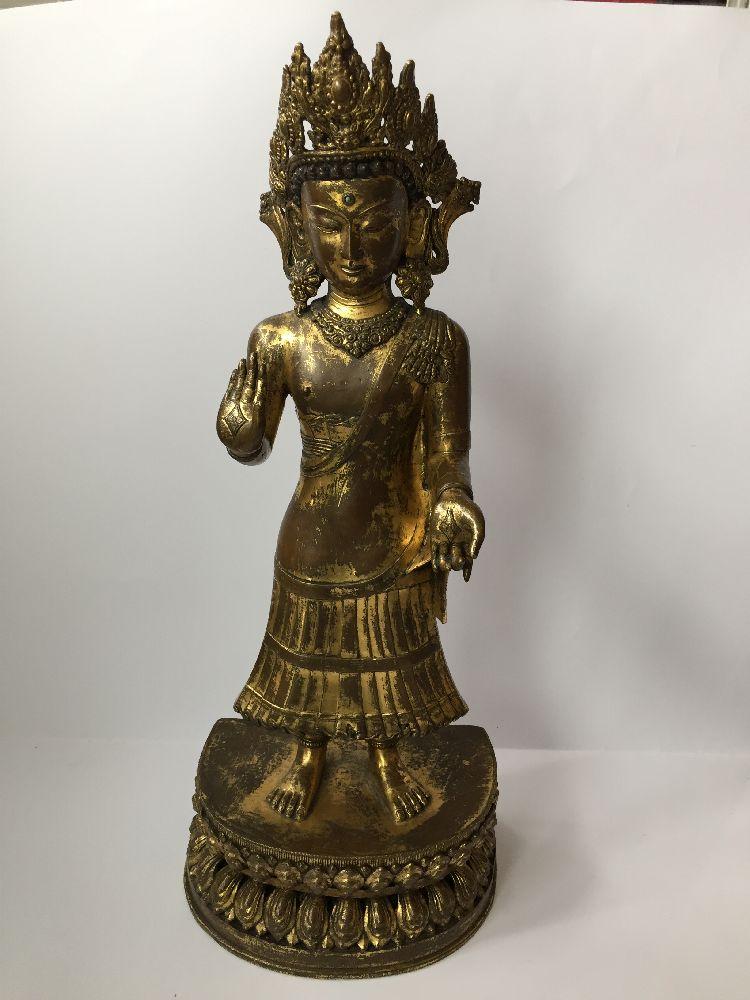 A large Sino-Tibetan gilt bronze standing figure of Avalokiteshvara, 17th century, the right hand is - Image 8 of 16