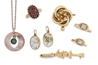 A group of jewellery, comprising: a Victorian gold brooch of knot design; two gold paste rings;