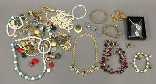 A quantity of costume jewellery
