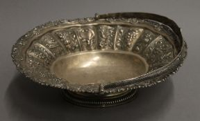 A Georgian silver basket. 32 cm long. 31.3 troy ounces.