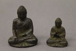 Two small bronze models of buddha. The largest 4.5 cm high.