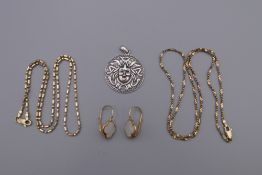 A bag of silver jewellery. 25 grammes.