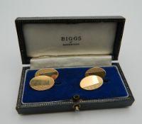 A pair of 9 ct gold cufflinks. 5.7 grammes.
