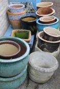 A large quantity of garden pots
