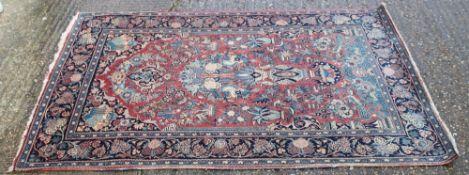 A fine quality Isfahan rug. 203 cm x 130 cm.