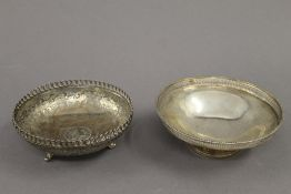 Two silver footed dishes. The largest 13.5 cm diameter. 7.6 troy ounces.