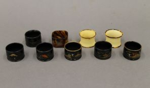 A quantity of various napkin rings