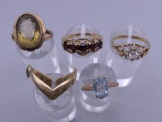 Five various 9 ct gold rings. 14.1 grammes total weight.