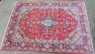 A Kashan carpet. 207 x 143 cm.