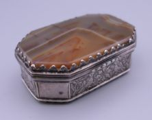 An 18th century Continental agate mounted unmarked silver snuff box. 7.5 cm wide.