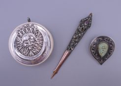 An ornate stone set 19th century turban ornament,