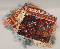 A double camel bag. 80 cm long.
