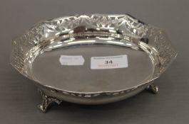 A silver bon-bon dish. 15.5 cm diameter. 5 troy ounces.