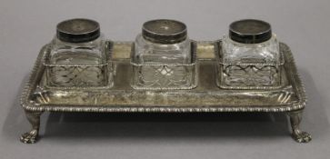 A Georgian silver inkstand. 26 cm wide. 19.1 troy ounces.