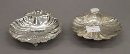 Two silver butter shells. The largest 15 cm wide. 8.1 troy ounces.