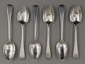 Six early 19th century Old English pattern teaspoons by Solomon Hougham of London. 100.4 grammes.