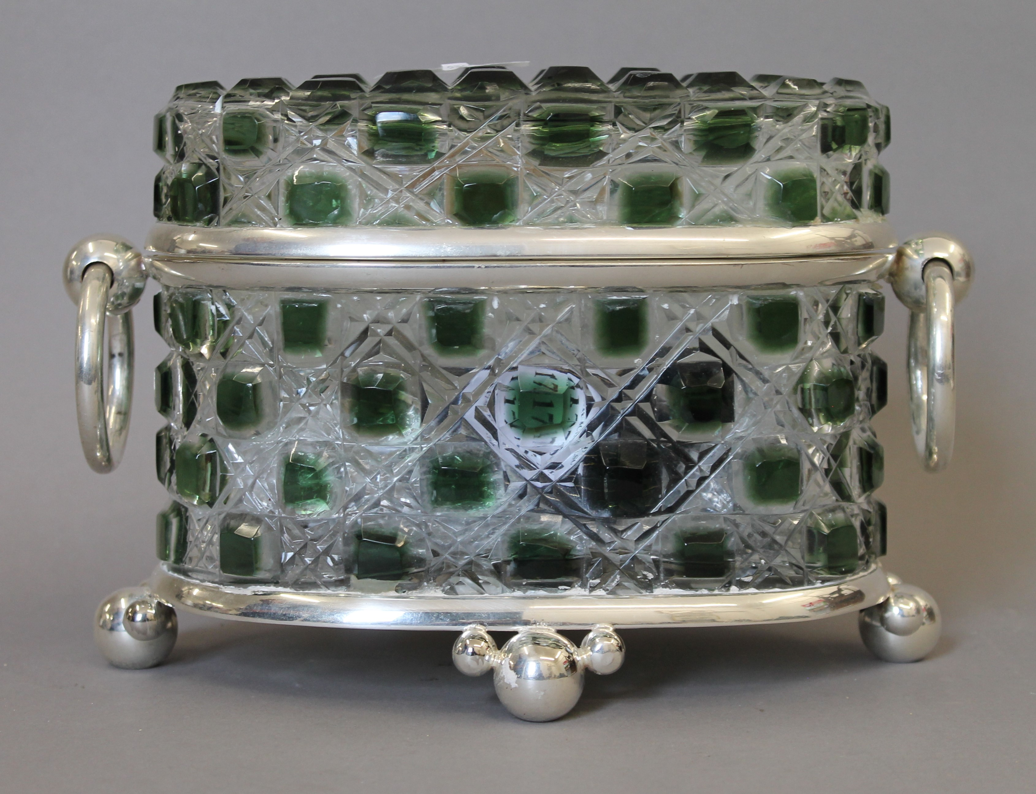 A green cut glass and silver plated casket. 26 cm wide. - Image 2 of 4