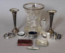 A quantity of various silver and silver mounted items.