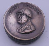 A Benito Mussolini snuff box. 7.5 cm diameter.