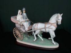 """Lladro figurine 1802 """"Love And Marriage"""" in original box. H36cm, including base."""