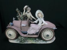 """Lladro figurine 1393, """"First Date"""" Limited Edition Number 552/1500, H48cm. (A/F)"""