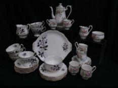"""Royal Albert """"Queens Messenger"""" part dinner service (1 x serving plate, 6 x teacups, 6 x saucers,"""