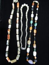 Polished hardstone beaded necklace L54cm, another similar mother of pearl and abalone beaded