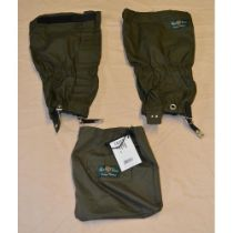 Pair of Alan Paine Chorley gators in olive green.