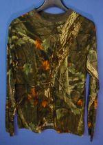 Realtree long sleeved t-shirt, size M