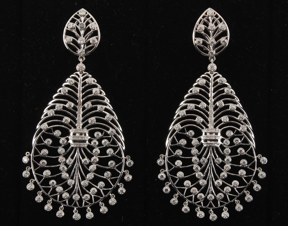 A large pair of 18ct gold diamond openwork earrings, of stylised veined leaf design set with diamond - Image 2 of 4