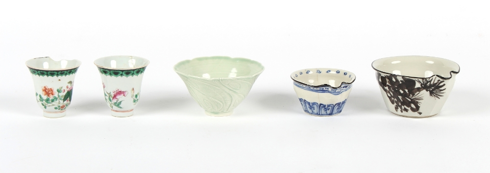 Property of a gentleman - a quantity of assorted Oriental ceramics, some with damages (a lot).