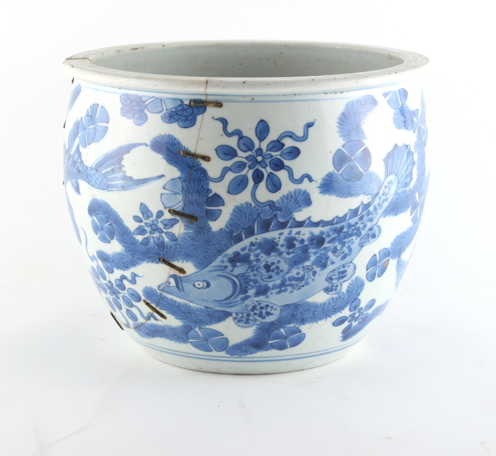 Property of a lady - a 19th century Chinese blue & white fish bowl planter, painted with a - Image 3 of 4