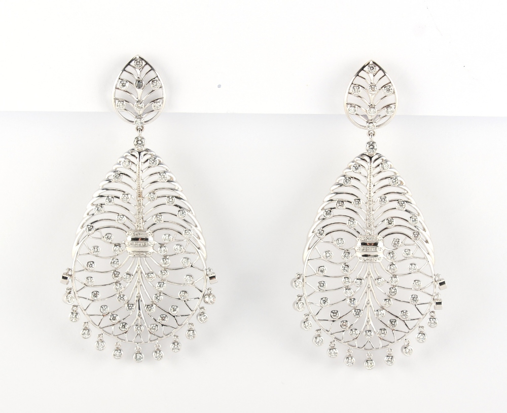 A large pair of 18ct gold diamond openwork earrings, of stylised veined leaf design set with diamond - Image 4 of 4