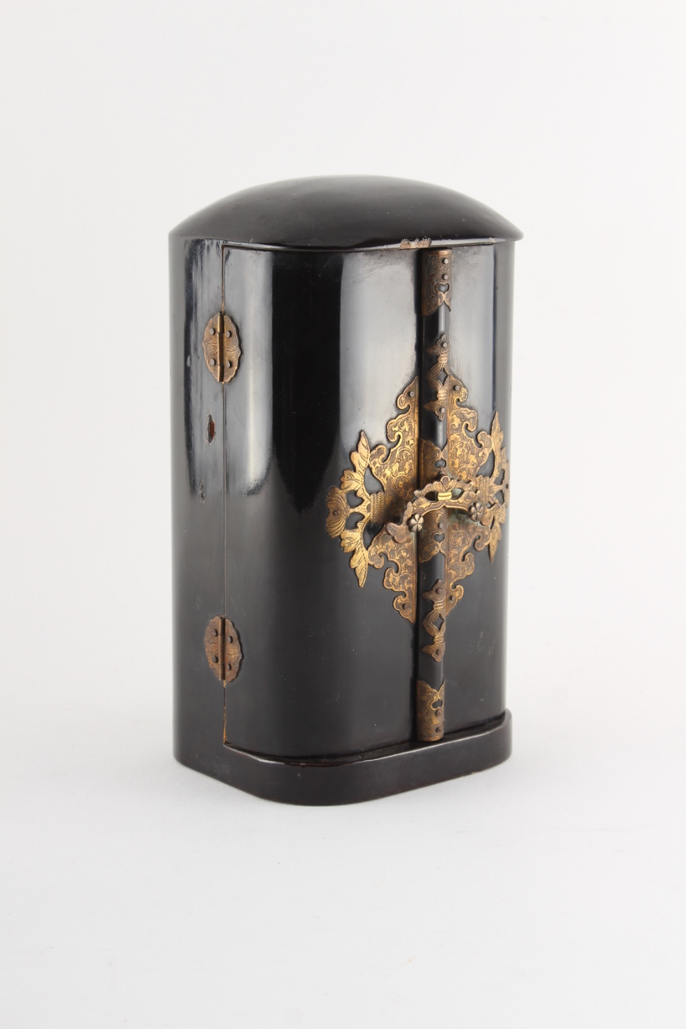 Property of a lady - a Japanese lacquer portable shrine, zushi, Meiji period (1868-1912), the - Image 2 of 2