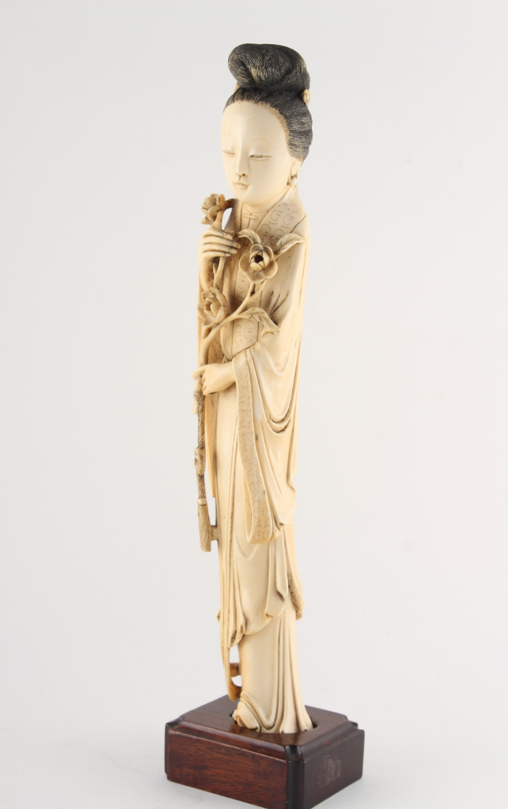 Property of a gentleman - a Chinese carved ivory figure of a lady in flowing robes, 19th century, - Image 2 of 3