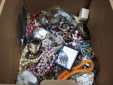 A Mixed Lot of Assorted Costume Jewellery, including bead necklaces, bracelets, diamante style,