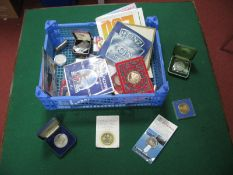 A Collection of Mainly Crown Sized Coins, including Royal Mint UK five pounds 1990, William