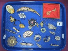 """Assorted Costume Brooches, including large Monet feather, filigree flower brooch (stamped """"800""""),"""