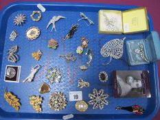 Assorted Costume Brooches, including cats, dragonfly, bird etc :- One Tray