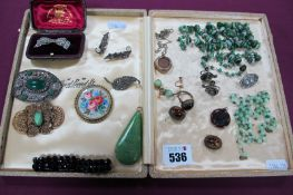 Assorted Vintage Costume Jewellery, including diamanté and other brooches, tiger's eye cabochon