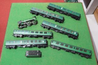Six 'OO' Southern Coaches, by Hornby and Bachmann. Plus a Hornby 4-6-0 Schools Class - spares,