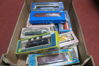 Sixteen Various 'HO' Scale American Outline Rolling Stock, by Bachmann, AHM and others, used,