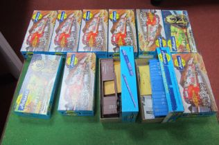 Eleven 'HO' Scale American Outline Rolling Stock Plastic Kits, by Athearn, unstarted, unchecked,