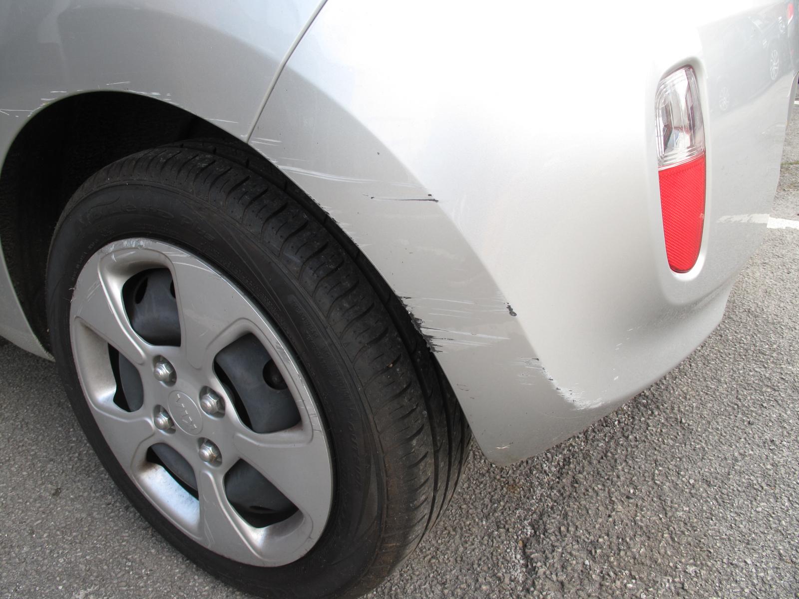 [YR12 YCN] 2012 Kia Picanto 1.0 petrol, 5-door hatchback in Silver, 13,787 Miles, 1 previous keeper, - Image 6 of 6