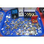 Assorted Gent's Cufflinks, cased set of modern gilt metal buttons, matching cufflinks and tie slide,