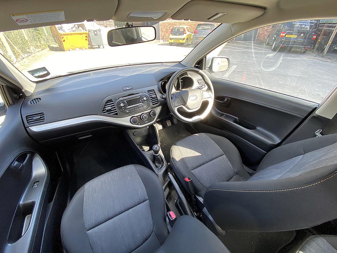 [YR12 YCN] 2012 Kia Picanto 1.0 petrol, 5-door hatchback in Silver, 13,787 Miles, 1 previous keeper, - Image 3 of 6