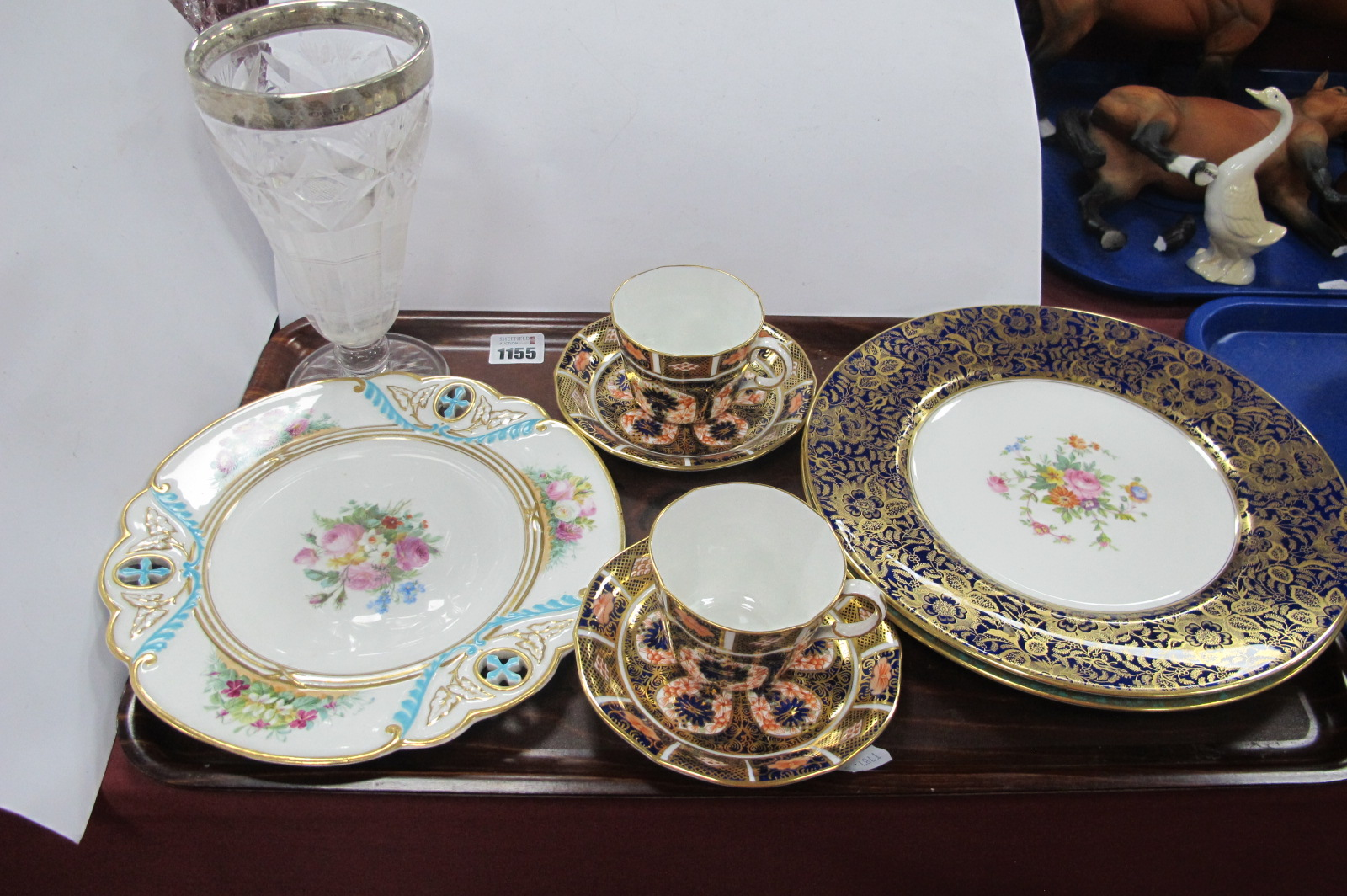 Two Royal Crown Derby 'Old Imari Japan' pattern 1128, two Minton floral cabinet plates, a further